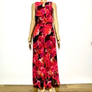Long maxi dress in red mix design